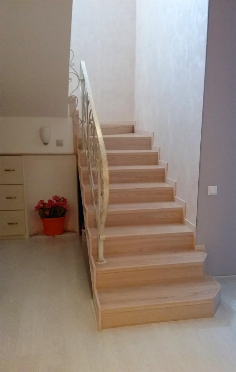 Отделка лестниц ламинатом Quick Step Eligna 1184