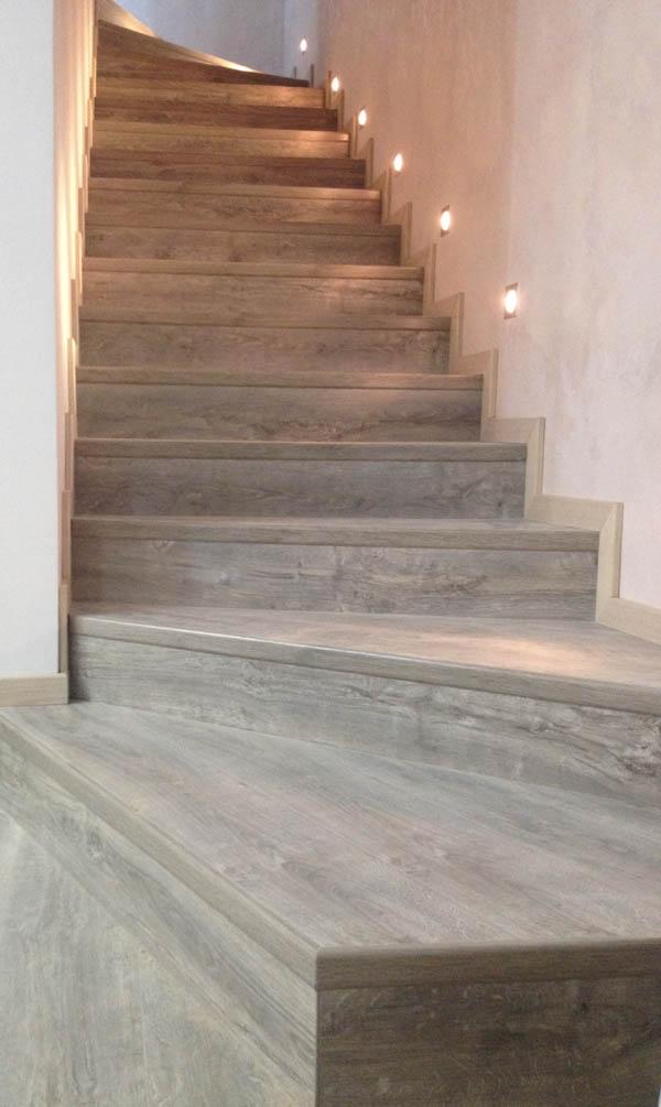 Отделка ступений лестниц ламинатом Tarkett, с использованием профиля Quick-Step Incizo