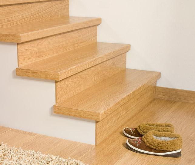 Лестница из ламината Quick Step с применением профиля Incizo